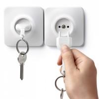 Ключница настенная и брелок для ключей Unplug Qualy Белый