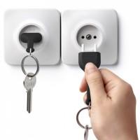 Ключница настенная и брелок для ключей Unplug Qualy Черный
