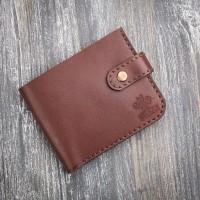 Коричневый кожаный мужской кошелек MiroS на кнопке